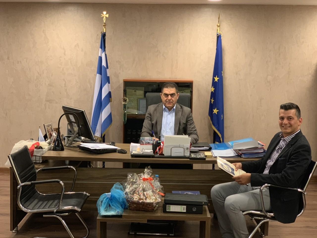 <p>Την Τρίτη, 04/06/2019, πραγματοποιήθηκε συνάντηση του προέδρου ΚΑΡΤΣΑΚΗ Γεωργίου της Ένωσης μας, με τον με τον Προϊστάμενο Επιτελείου ΕΛ.ΑΣ Αντιστράτηγο κ. ΔΑΣΚΑΛΑΚΗ Ανδρέα.  Στην συνάντηση που πραγματοποιήθηκε στο Αρχηγείο της ΕΛ.ΑΣ, ο Επιτελάρχης ενημερώθηκε για τα προβλήματα που έχουν προκύψει τον τελευταίο καιρό, στους Αστυνομικούς του Νομού.  Ακόμα […]</p>