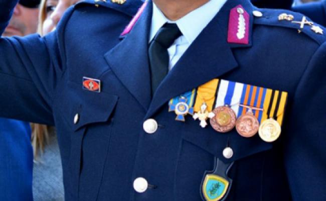<p>Η Ένωσή μας συγχαίρει τον νέο Αρχηγό της Ελληνικής Αστυνομίας Αντιστράτηγο κ. ΚΑΡΑΜΑΛΑΚΗ Μιχαήλ, τον νέο Υπαρχηγό της Ελληνικής Αστυνομίας Αντιστράτηγο κ. ΔΑΣΚΑΛΑΚΗ Ανδρέα και τον νέο Προϊστάμενο Επιτελείου ΕΛ.ΑΣ. Αντιστράτηγο κ. ΛΑΓΟΥΔΑΚΗ Κωνσταντίνο και τους ευχόμαστε καλή θητεία στα ιδιαιτέρως απαιτητικά νέα τους καθήκοντα. Επίσης συγχαίρουμε και ευχόμαστε καλή […]</p>