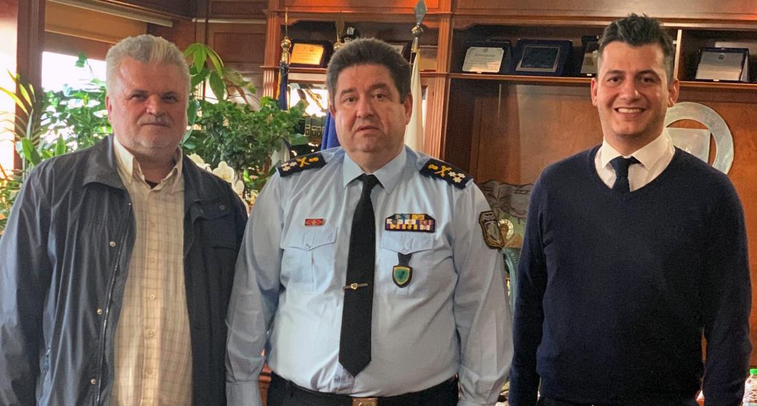 <p>Την Παρασκευή 22/11/2019 στο Αρχηγείο της ΕΛ.ΑΣ., πραγματοποιήθηκε συνάντηση του προέδρου της Ένωσής μας ΚΑΡΤΣΑΚΗ Γεωργίου και του ΓΙΑΝΝΑΔΑΚΗ Μανούσου, εκπροσώπου της Πανελλήνιας Ομοσπονδίας Αστυνομικών, με τον Αρχηγό της Ελληνικής Αστυνομίας, Αντιστράτηγο κ. ΚΑΡΑΜΑΛΑΚΗ Μιχαήλ. Εκεί, σε πολύ καλό κλίμα συζητήθηκαν τα κάτωθι. Η απόφαση του ΣΤΕ για την επαναλειτουργία […]</p>